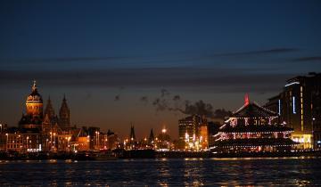 Nocne oświetlenie portu