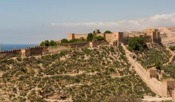 alcazaba-of-almeria-533934_1920
