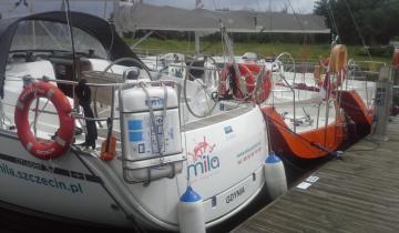 Rufa wynajmowanego jachtu