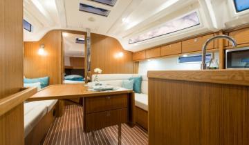 Pod pokładem jachtu do wynajęcia