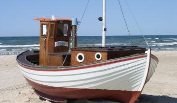 fishing-boat-49523_1280