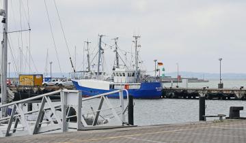 sassnitz-port-2955032_1920_4